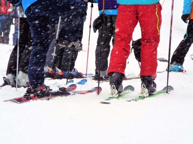 かかとを意識した滑り方|スキーの滑り方