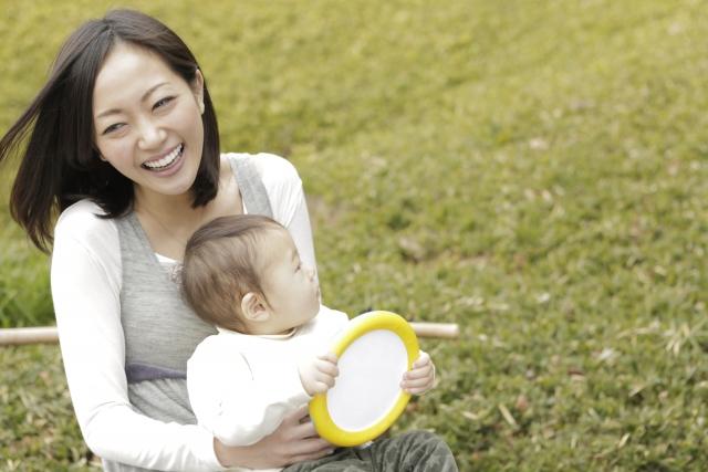 産後ダイエットにヨガが効果的って本当?