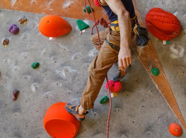 クロスムーブのやり方 | ボルダリングの体の動かし方