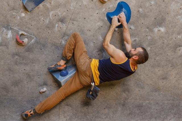 インサイドフラッギングのやり方 | ボルダリングの体の動かし方