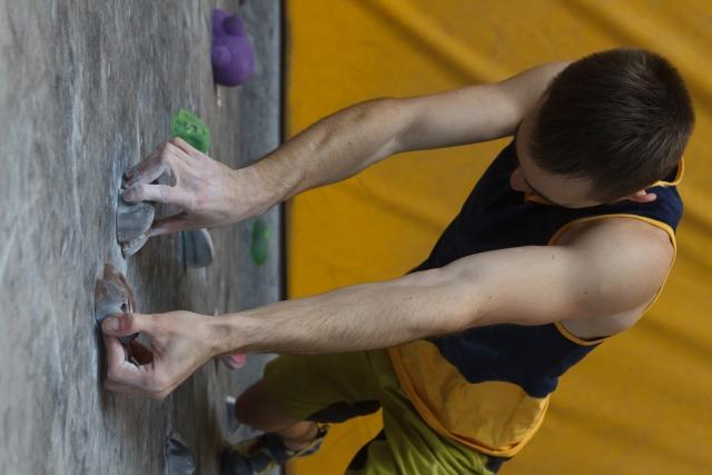 デッドポイントのやり方 | ボルダリングの体の動かし方