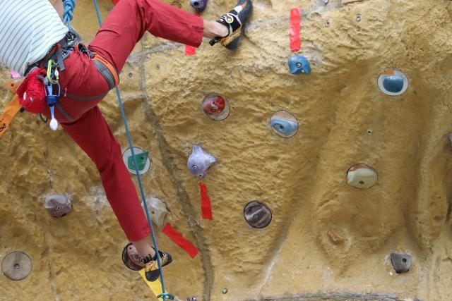 基本的な登り方〜スタートからゴールまで | ジムでのボルダリング