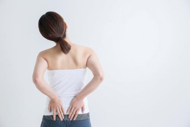 腰痛に効くヨガのポーズとは?