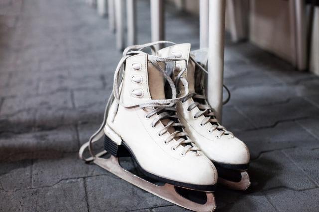 スケート靴のサイズの選び方と履き方 | フィギュアスケートが上達する練習方法