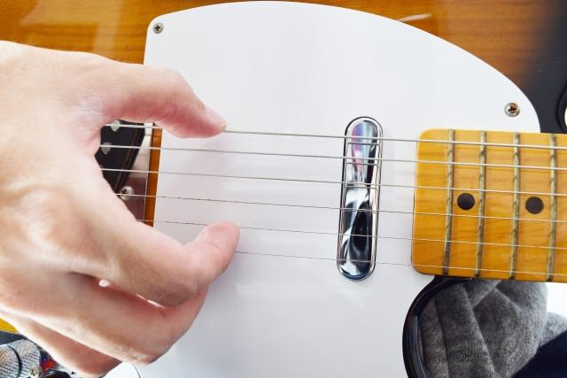 エレキギターのカッティングのやり方