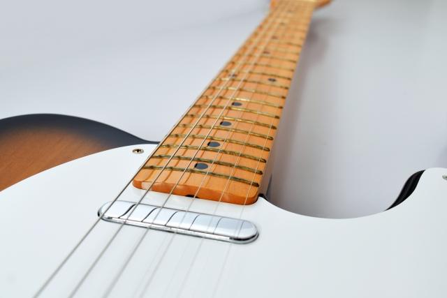 ミディアムスケールのエレキギターの利点