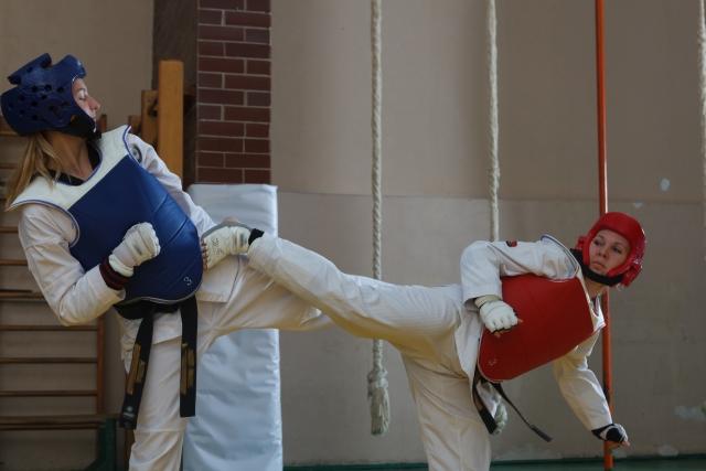 鶴足立ちの立ち方とコツ | テコンドーが上達する練習方法