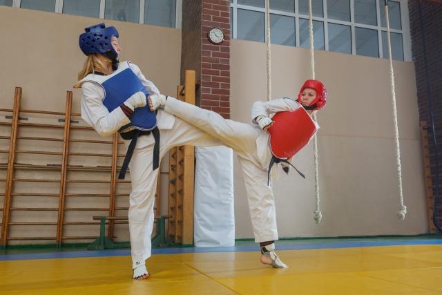 拳中段ささえ受けのやり方とコツ | テコンドーが上達する練習方法