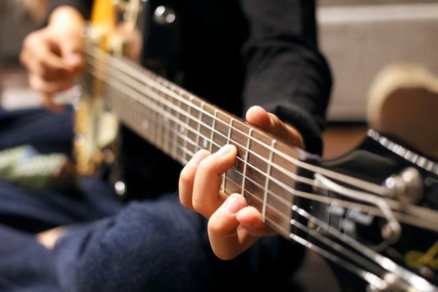 エレキギターのストロークの練習方法