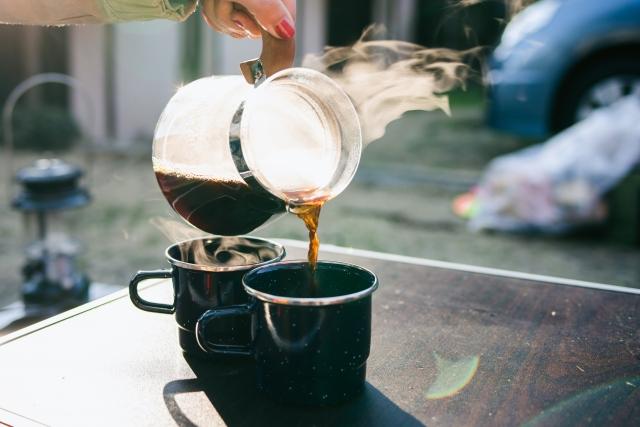 キャンプで最高のコーヒーを飲む方法