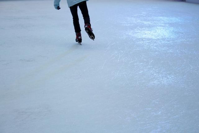 フィギュアスケートの練習中に衝突を防ぐために気をつけるべきこと