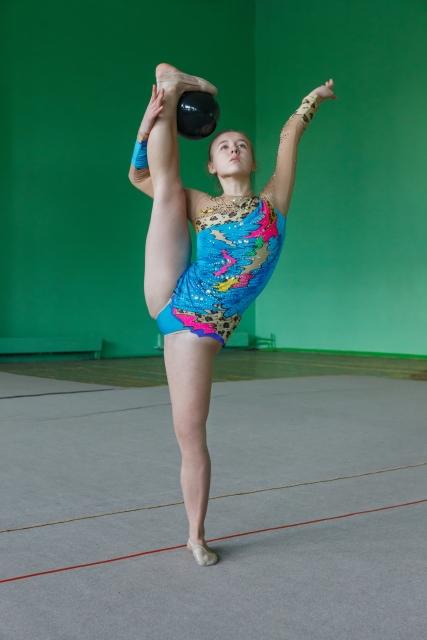 支持なし前バランスのやり方 | 新体操が上達する方法
