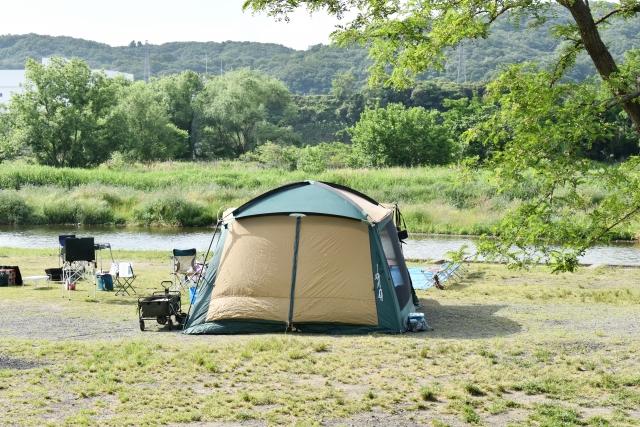 ドームテントの特徴と設営方法   オートキャンプの基本