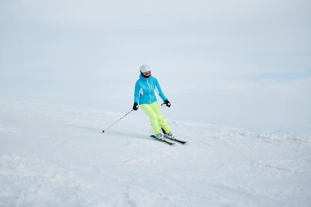 スキーのターンで上手に「ずらし」ができるようになる練習方法