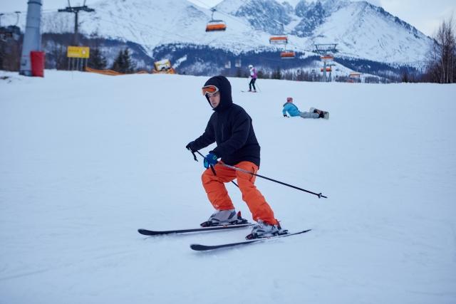 スキーのショートターンが上達する練習方法