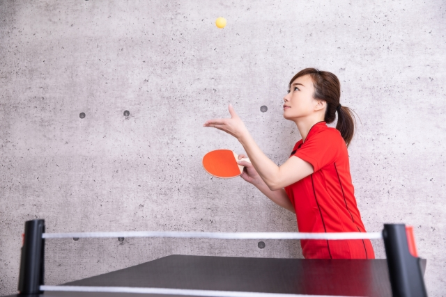 サーブへのフェークモーションの入れ方   趣味の卓球