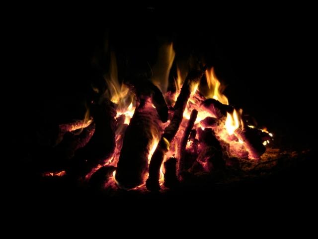 火の扱いの注意点   キャンプ場の基礎知識