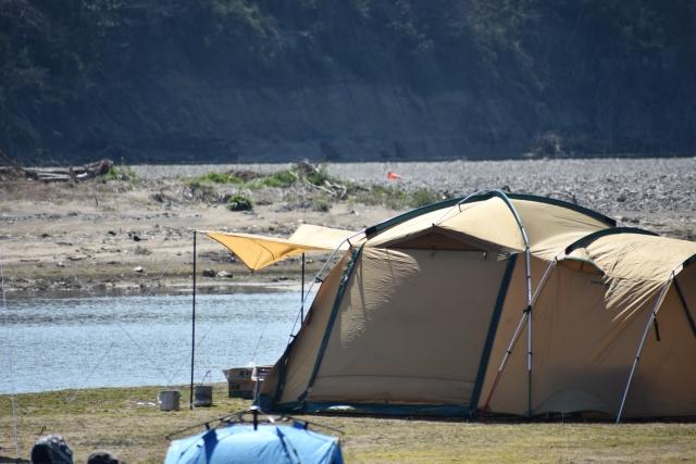 ツールームテントの特徴と設営方法   オートキャンプの基本