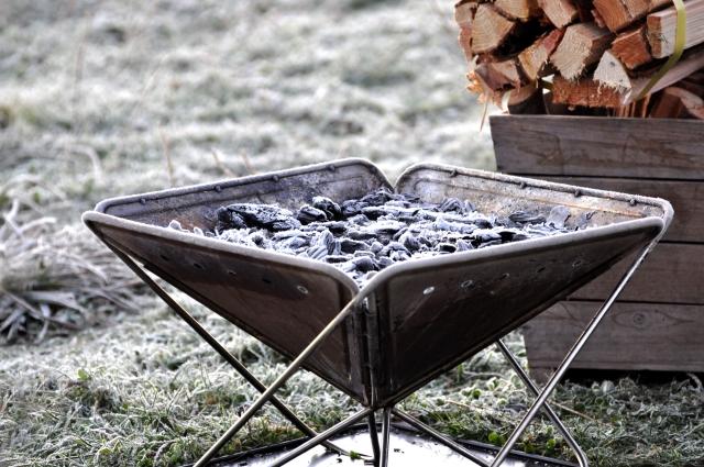 焚き火や炭の後始末のやり方 | オートキャンプの基本