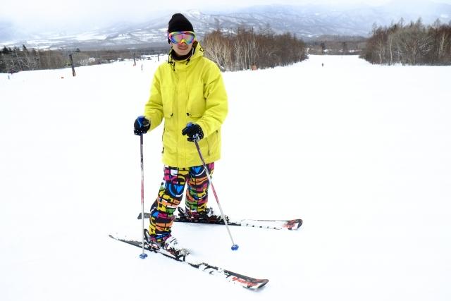 キックターンのやり方 | スキーの滑り方
