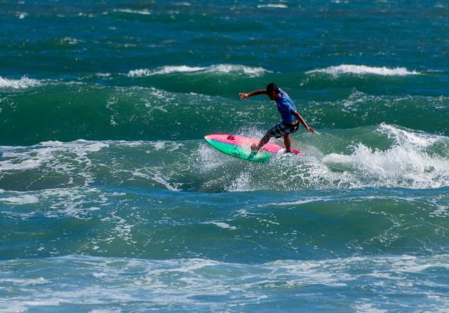 ショートボードのレイバックのやり方とコツ|趣味のサーフィン