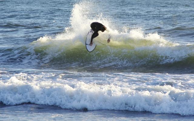 ショートボードのトップターンのやり方とコツ   趣味のサーフィン