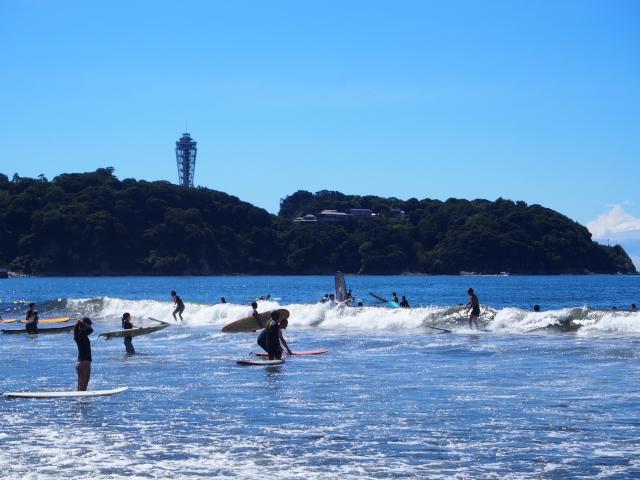 サーフィン初心者が他のサーファーの邪魔にならないように気をつけるべきこと