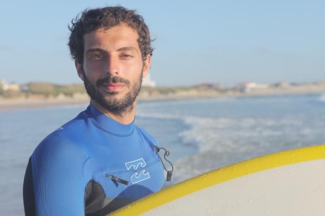 サーフィン初心者のためのウェットスーツの選び方