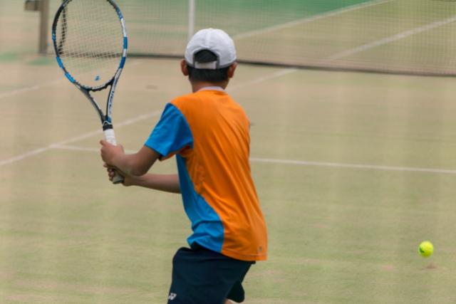両手持ちバックハンドリターンの基本 | 趣味のテニス