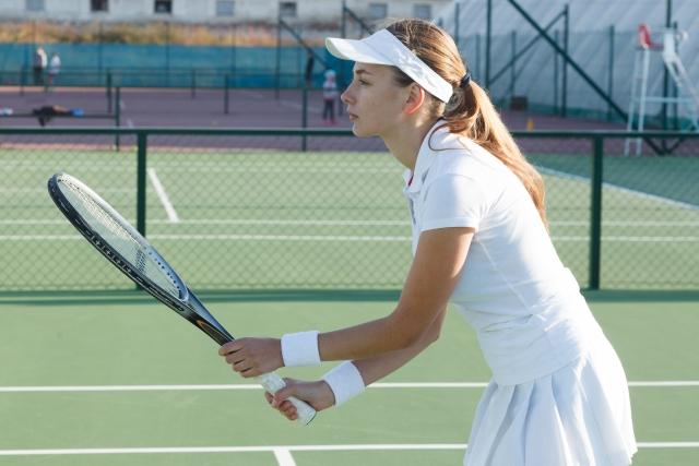 フォアハンドリターンの基本   趣味のテニス
