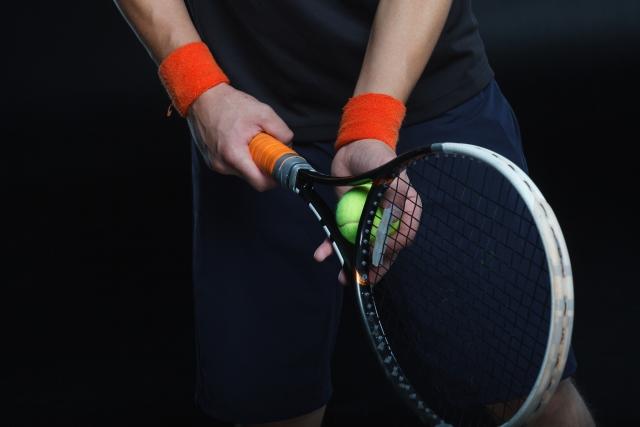 バックハンドでのローボレーの打ち方   趣味のテニス