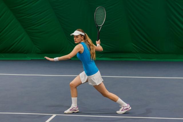 フォアハンドでのアプローチショットの打ち方   趣味のテニス