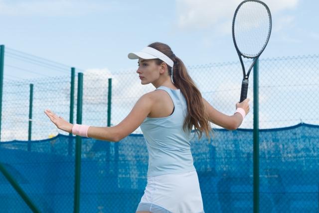 フォアハンドでの強いトップスピンのかけ方 | 趣味のテニス