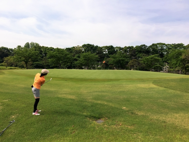 ピッチエンドランのやり方 | ゴルフのアプローチの基本