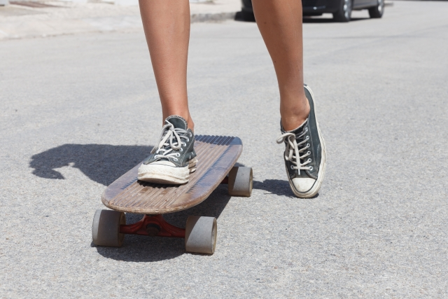 プッシュのやり方|スケートボードの乗り方