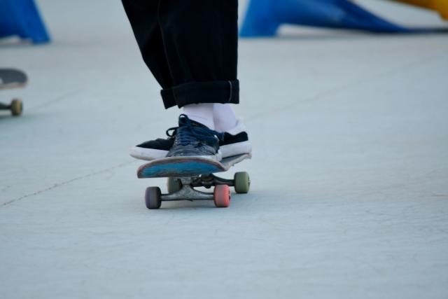 止まり方|スケートボードの乗り方
