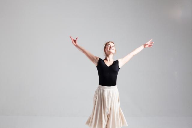 カンブレ・アン・ロンドのやり方 | バレエの基本のバー・レッスン