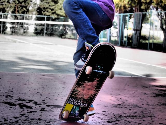 テールマニュアルのやり方|スケートボードの乗り方
