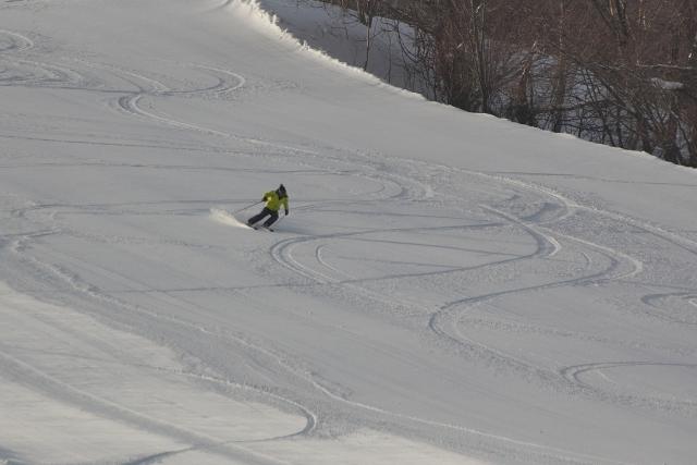 ターン弧を小さくするには?|スキーの滑り方