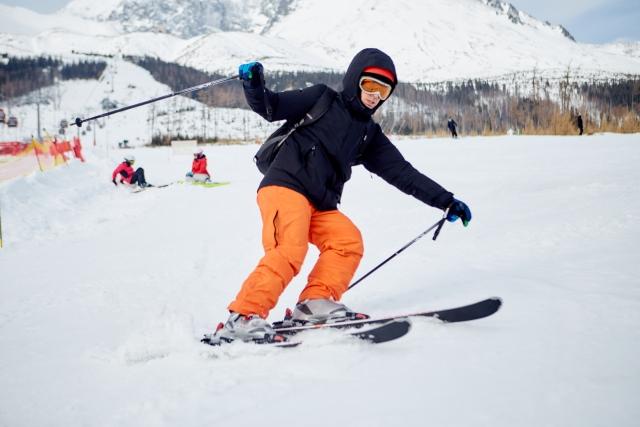 インエッジとアウトエッジ|スキーの滑り方