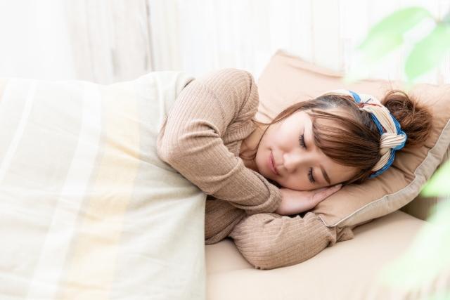 安眠に効果的なヨガのポーズとは?