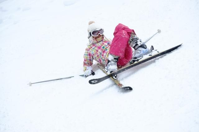 怪我をしない転び方と起き方 | スキーの基本