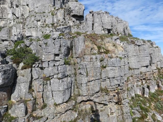 ボルダリングの醍醐味!外岩の魅力とは?