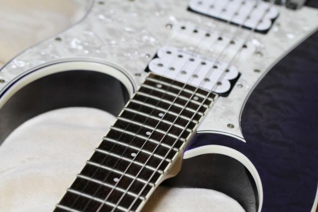 エレキギターの弦の種類と特徴