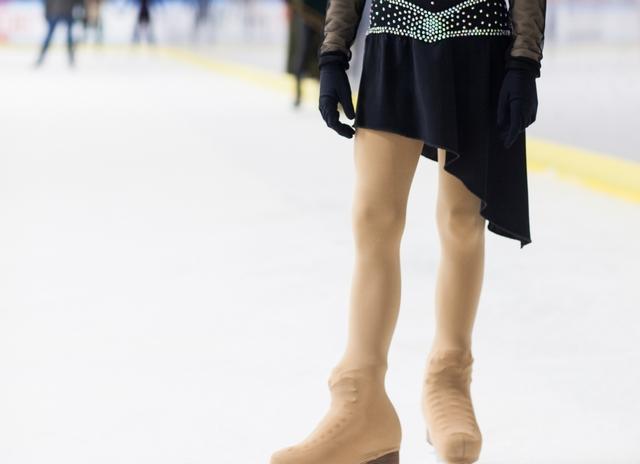 両足スピンのやり方とコツ   フィギュアスケートが上達する練習方法