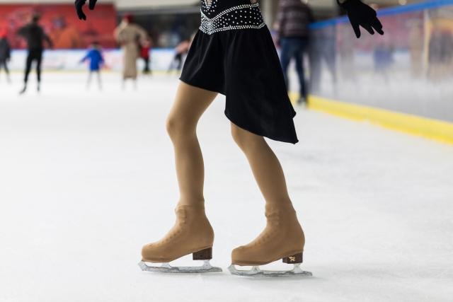 バックスクラッチスピンのやり方とコツ | フィギュアスケートの上達法