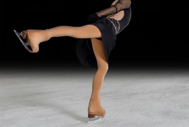 トウステップのやり方とコツ | フィギュアスケートの基本