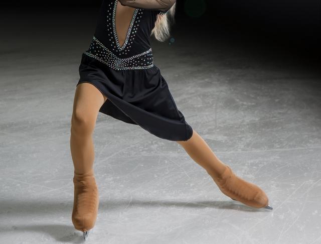 カウンターのやり方とコツ   フィギュアスケートの基本
