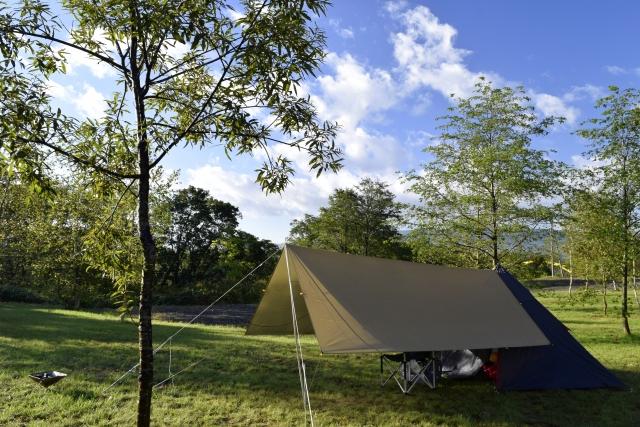 ソロキャンプ用のタープの選び方