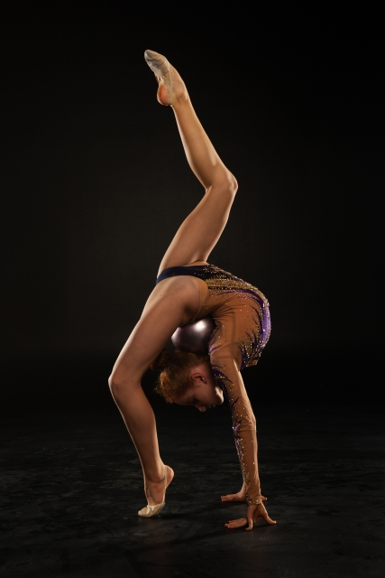 後方回転のやり方   新体操が上達する方法